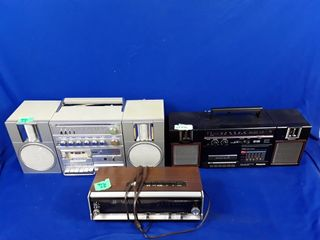 lloyd s clock radio  RX c36 radio and eversonic