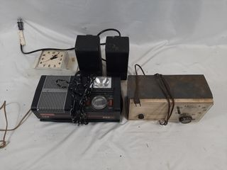 Vintage electronic lot with clocks  auto air