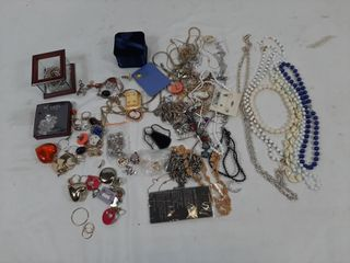 Miscellaneous jewelry lot