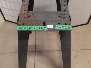 Metal tool mount