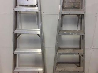 2  4 Rung Aluminum ladders