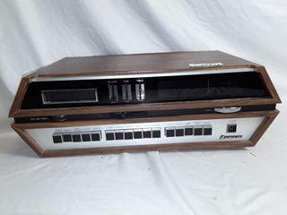 Vintage 8 track   radio   and realistic sta 235