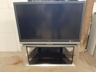 Sony 45  3lCD HDTV and stand