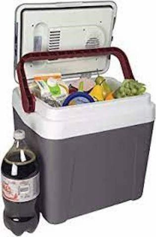 KOOlATRON 26 QUART TRAVEl COllER