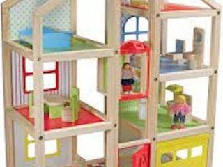 MElISSA AND DOUG H RISE DOllHOUSE