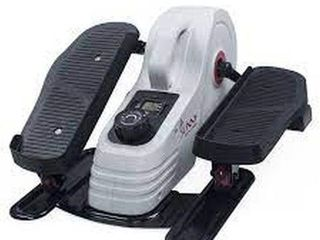 SUNNY HEAlTH   FITNESS EllIPTICAl PEDDlER