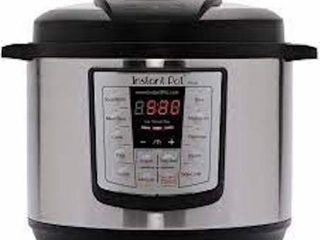 INSTANT POT 6 IN 1 MUlTI USE PROGRAMMABlE