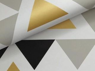 ROOM MATES GEOMETRIC TRIANGlE VINYl PEElABlE