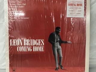 lEON BRIDGES RECORD AlBUM
