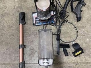 FINAl SAlE SHARK VERTEX POWERED lIFT AWAY VACUUM