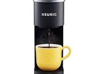 KEURIG K MINI SINGlE SERVE K CUP POD COFFEE MAKER