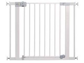 SAFETY 1ST AUTO ClOSE SAFETY GATE  29 38 X 28