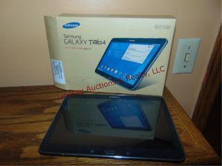 Samsung Galaxy tab 4 WXGA lCD 10 1  w  cords