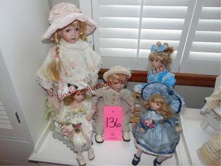 5 dolls SEE PICS