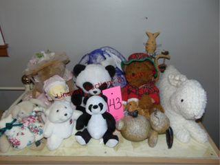 Approx 12 stuffed animals SEE PICS