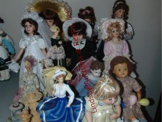 Approx 16 various dolls SEE PICS