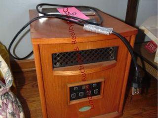 Truman electric heater w  remote  13x18x16