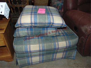 Cloth plaid ottoman   2 pillows