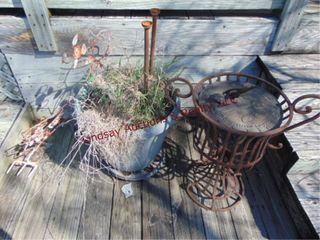 Planter  art    sundial