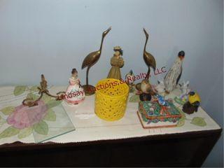 Approx 15pcs bird decor  statues    glass shelf