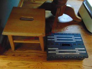 2 step stools  1 wood  1 plastic