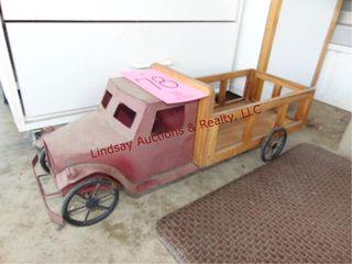 Decorative truck piece 24 5 x 9 x 8 5