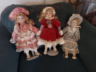3 Dolls   2 have Stands