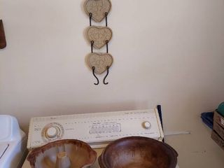 Pampered Chef Stoneware   Bundt Cake and Wall Hangings