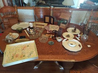 All Decor on Table   Wishing Well  Tray and Platter