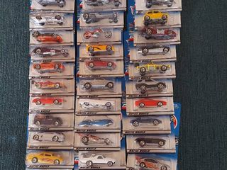 33 Hotwheels   2000 First Editions