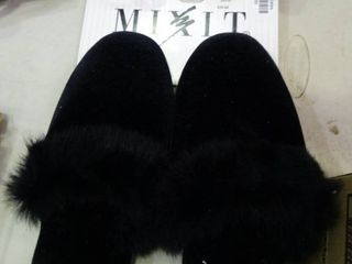 Pair of Xl Mixit Slippers