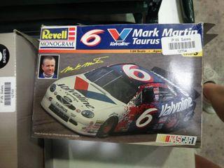 Revell Monogram Valvoline Mark Martin Taurus Model Car Kit