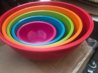 Heavy duty colorful mixing bowl set as pictured