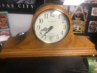 Nice Howard Miller mantle clock