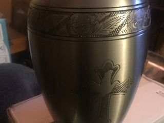 New Urn with small side urns