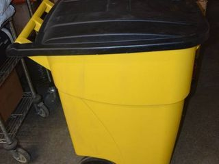 Rubbermaid Commercial Trash Can on Wheels