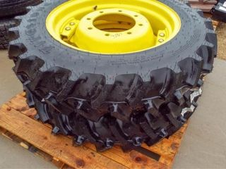 2  John Deere wheels with 9 5 24 tractor tires