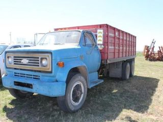 1974 Chevy C65 Wheat Truck Tandem Dually Axle