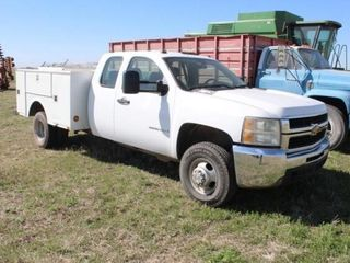 2007 Chevy 3500HD w  Stahl Service Bed
