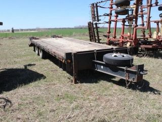 20  Heavy Equipment Trailer w Ramps