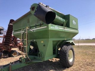 E Z Trail 500 bu Grain Cart