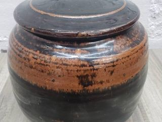 Ceramic Glazed Pot with lid