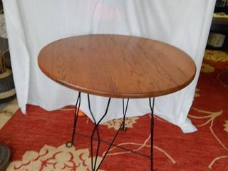 30  Round Oak Table