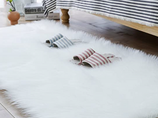 Carvapet long White Faux Fur Rug