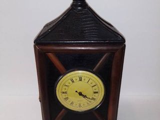 Quartz Style Marntal Clock Made of Bamboo Wicker And Fake Alligator Skin   Footed   Battery Operated   Tested And Working