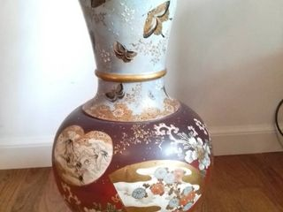 large Japanese Satsuma Vase   Beautifully Painted With Gold Toned Accents With Moths And Floral Design   18 5 Inches Tall