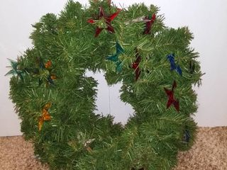 Small Hanging Christmas Wreath With Colorful Plastic Stars   16 Inches