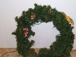 Christmas Wreath   light Tested NOT WORKING   16 INCHES