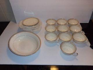 lot of Pope Grosser USA Fine China   10 Tea Cups   11 Tea Cup Saucers   Oval Fruit Bowl