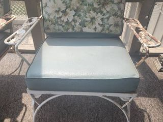 1960s Wrought Iron Patio lounge Chair   Original Cushion